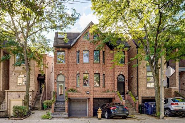 107 Alcorn Ave, Toronto