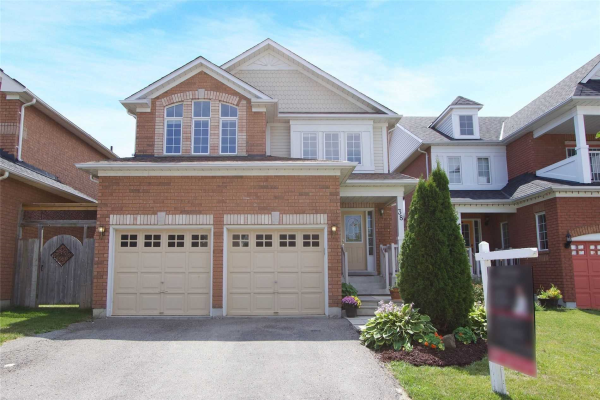 38 Fitzpatrick Crt, Whitby