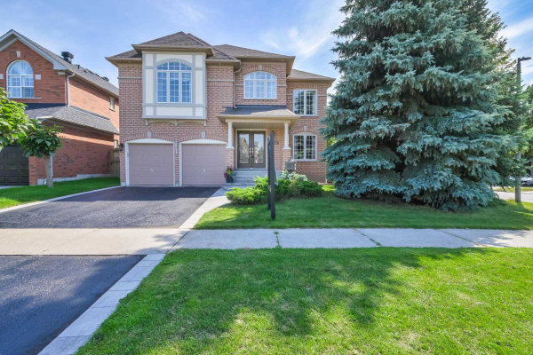 11 Twin Streams Rd, Whitby