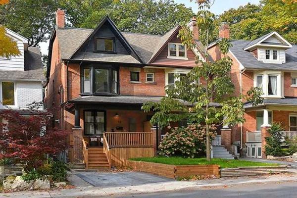 18 Scarborough Rd, Toronto