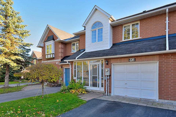 92 Royal Chapin Cres, Richmond Hill