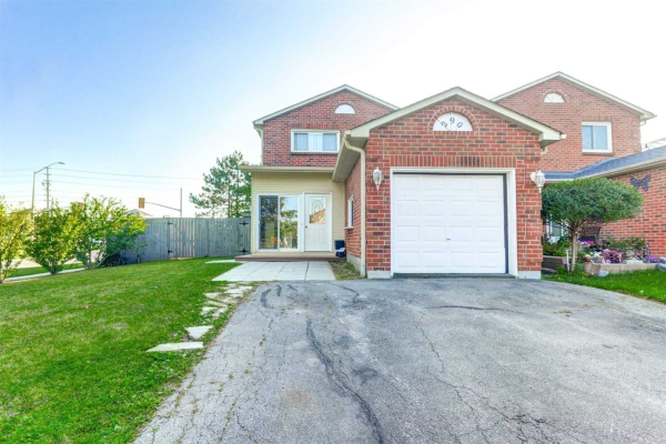 290 Woodlawn Cres, Milton