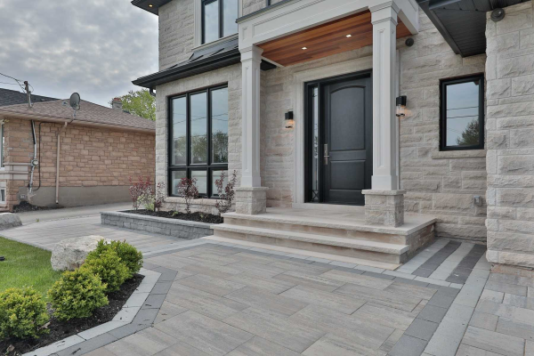 119 Richmond Rd, Oakville