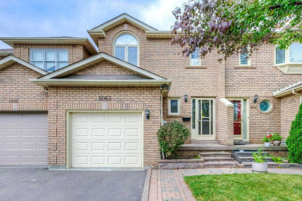 5063 Moulin Rouge Cres, Mississauga