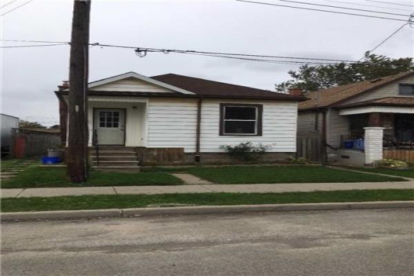 363 Paling Ave, Hamilton