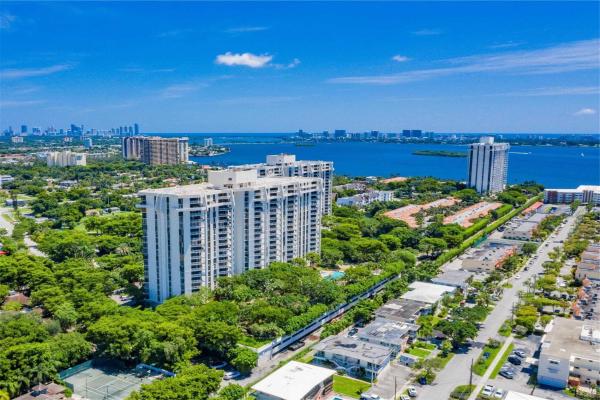 2000 Towerside Terr, Miami Beach
