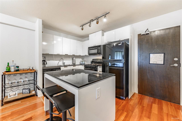 604 151 W 2ND STREET, North Vancouver