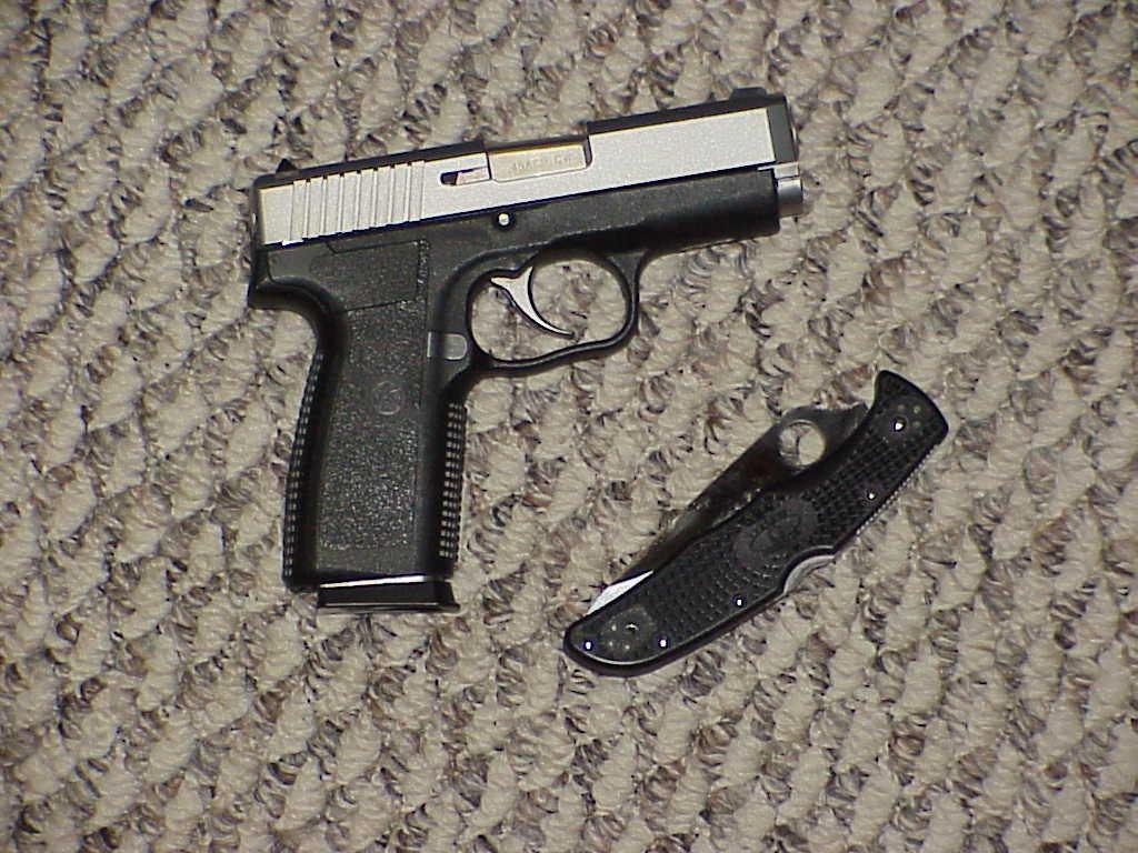 Shootin' the Kahr Arms CW45