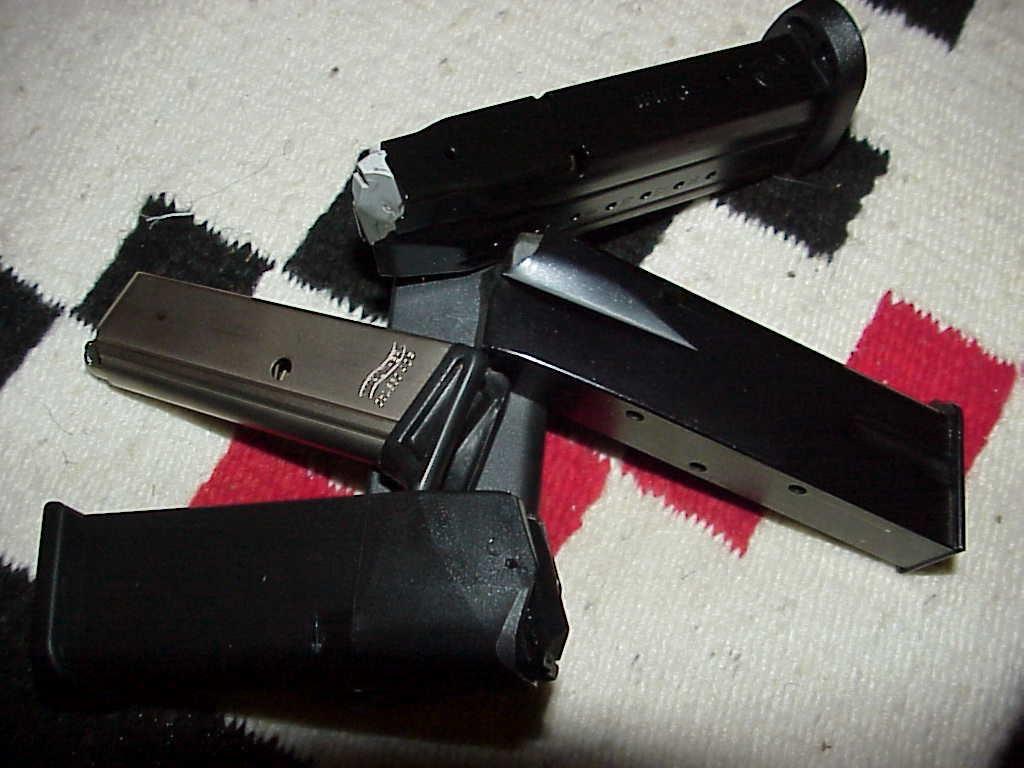 Glock 19 - S&W MP9 - XD Magazines