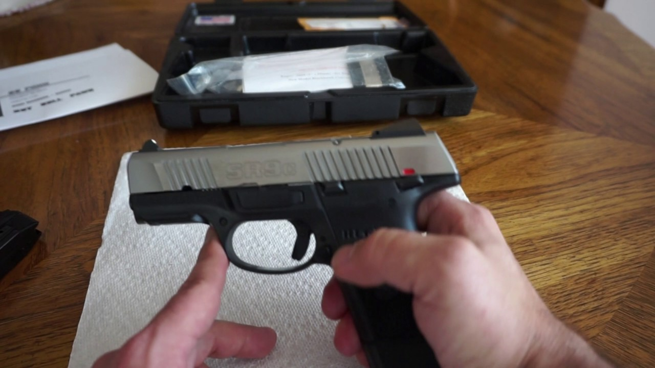 Tabletop review of the Ruger SR9c...I finally get my hands on one.