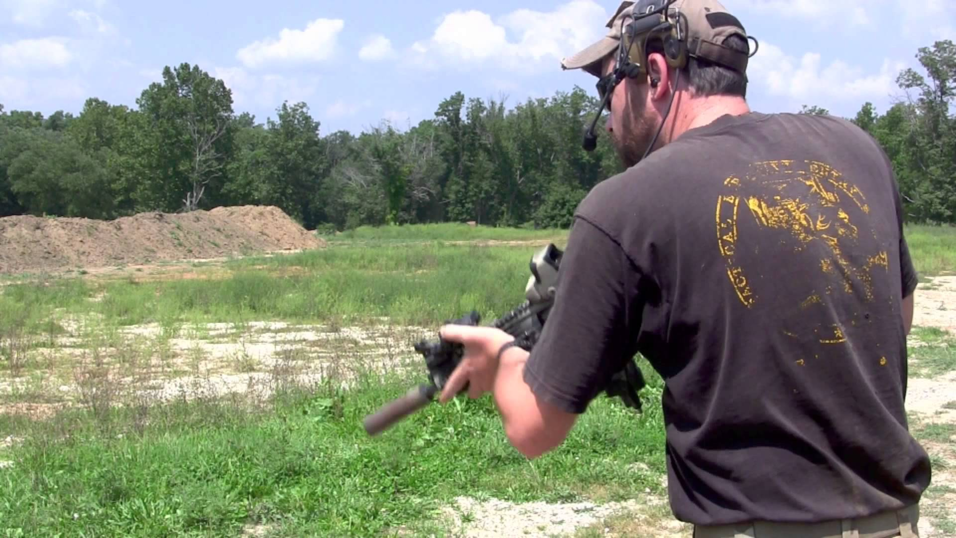 Shooting a Full Auto M4 Carbine with a Suppressor