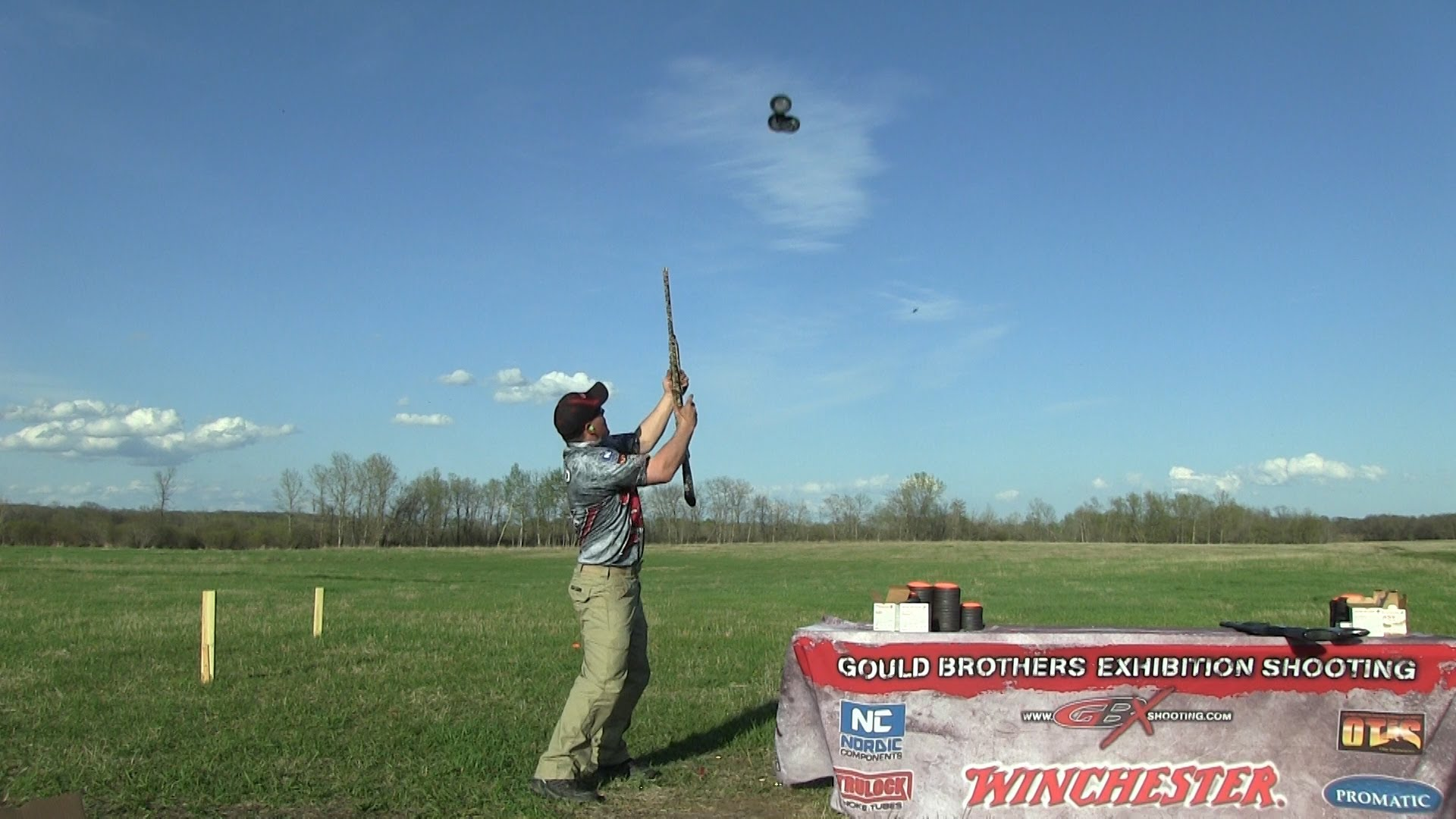 How to Shoot 3 Clays and an Ejected Shell Out of the Air - The Difficult Way