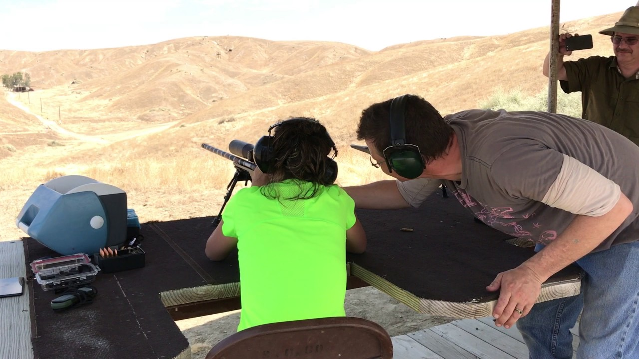 Ballistic_XLR: Meccastreisand Instructs New Shooter - CitizenV: 900 yards with a .223