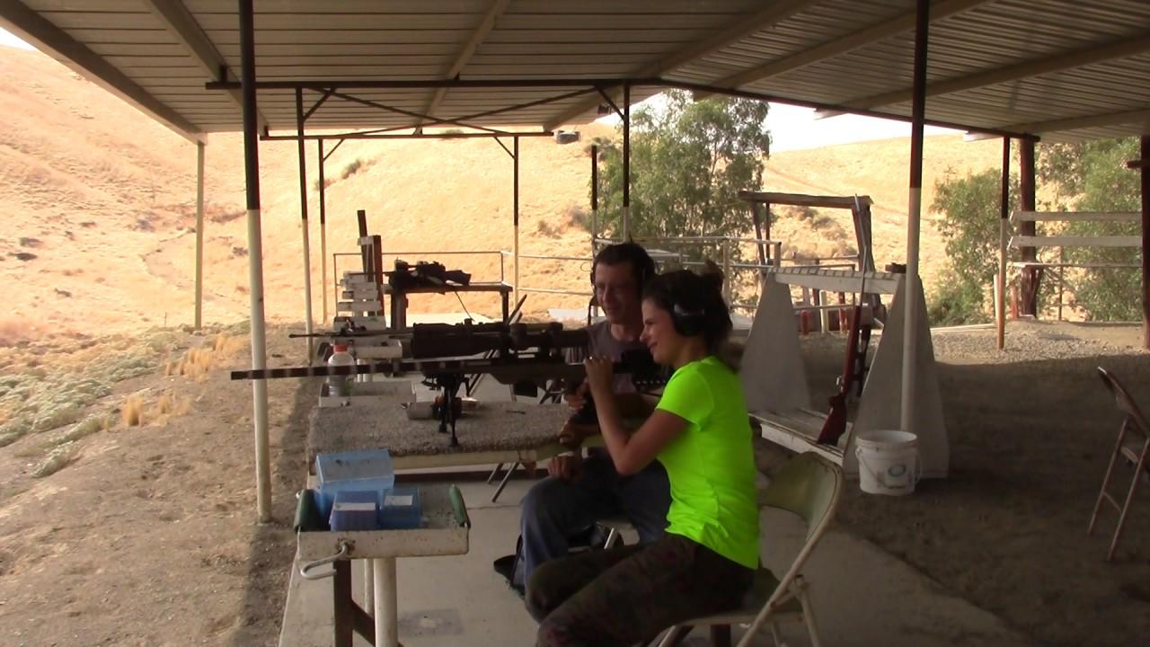 Ballistic_XLR: Meccastreisand Instructs New Shooter - CitizenV: First Ever Rifle Shot