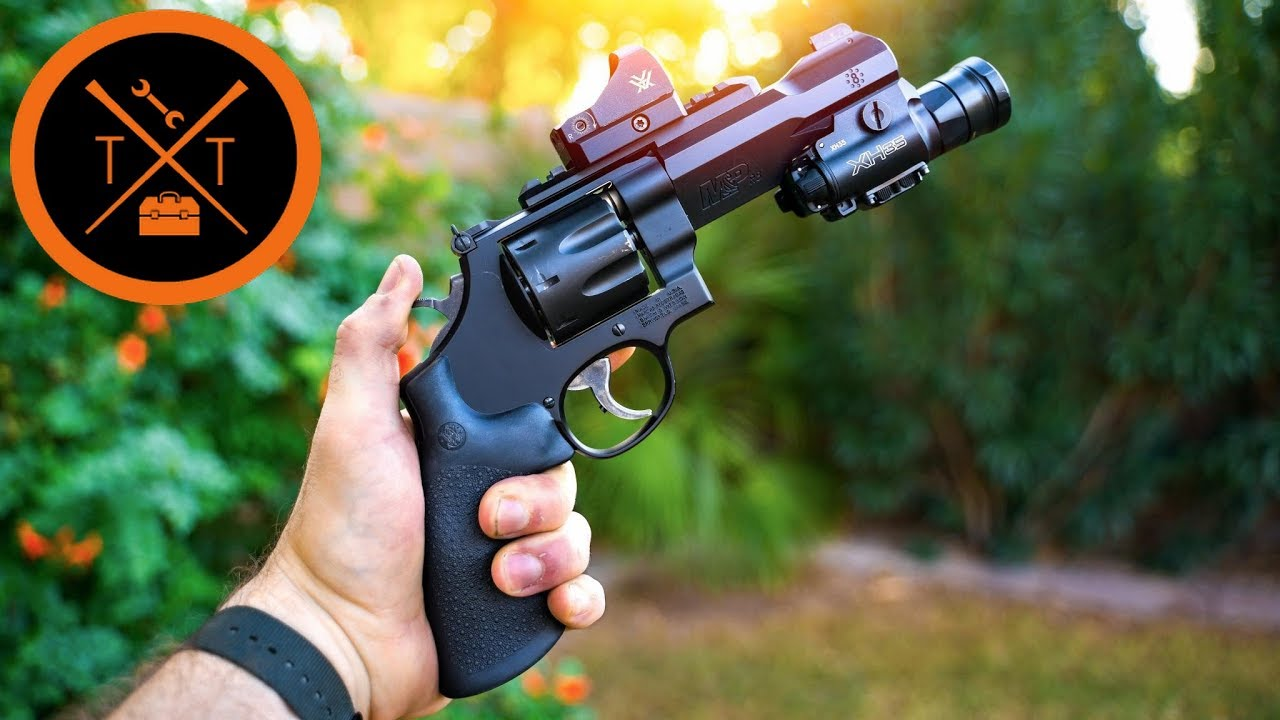 Is the Smith And Wesson R8 the BEST TACTICAL REVOLVER???