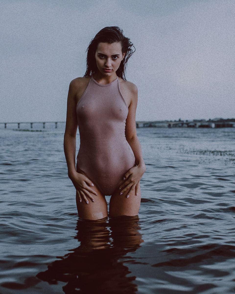 39158321/model-alena-bobkova-photograph-ivan-tuzhikov7.jpg